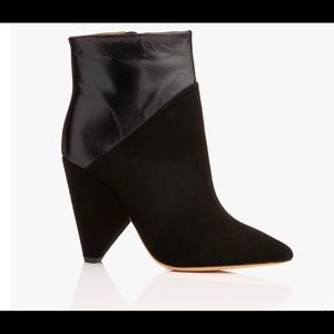 Vileana Leather Ankle Boots • Black